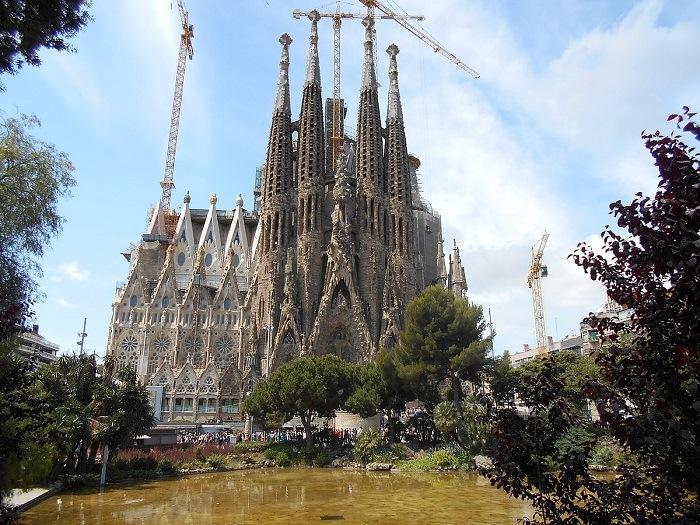 la sagra familia sin terminar, Antonio Gaudí, el maestro del modernismo catalán