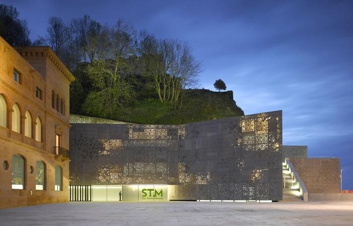 museo san telmo de noche