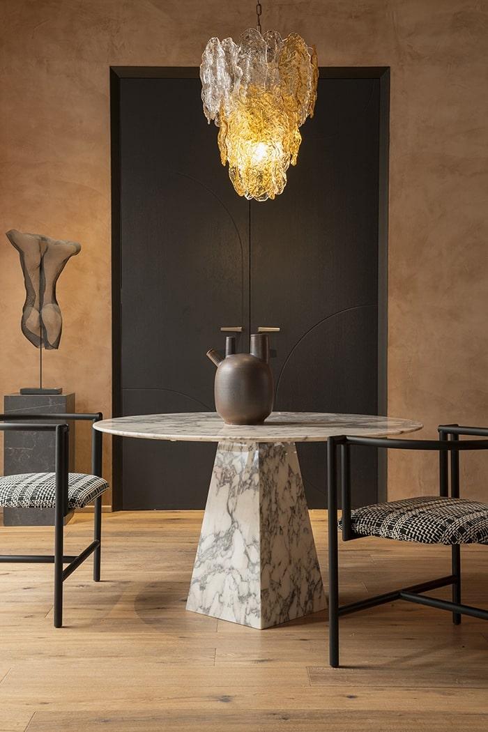mesa en estilo mediterraneo ocres