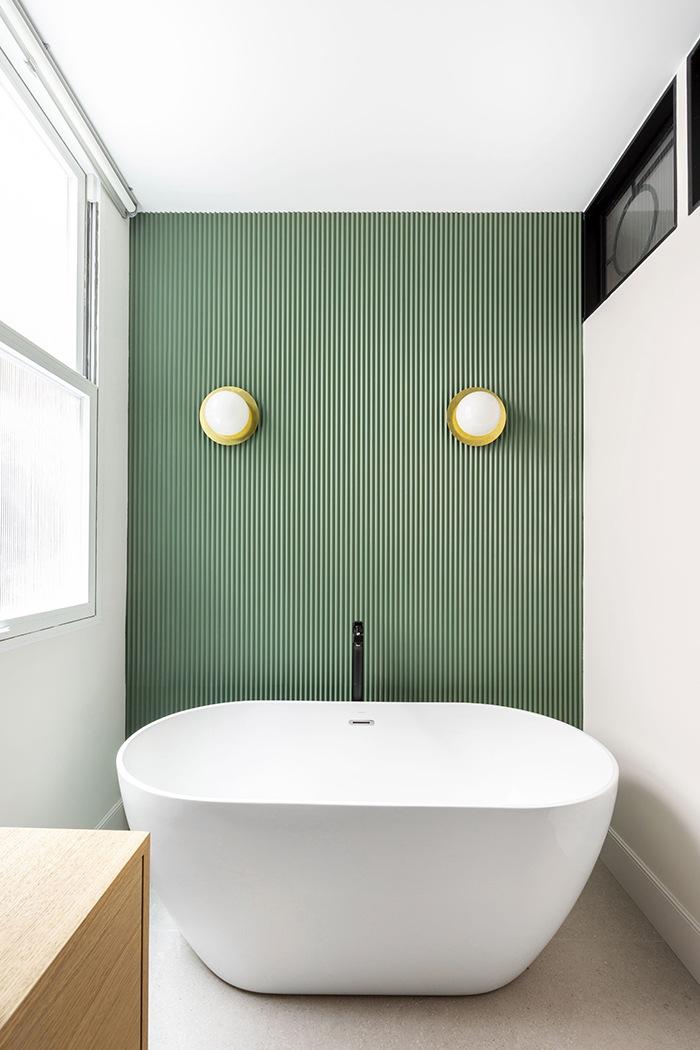 baño pared carpinteria turquesa