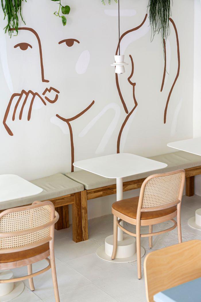 Cafetería Agrado, detalle mujer