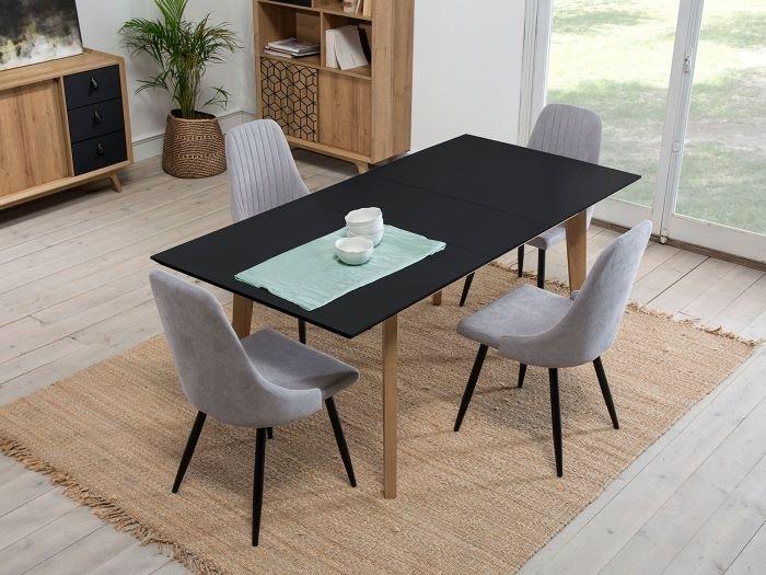 Silla Queen perfecta para decorar tu salón junto con una mesa