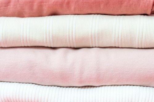 Diferentes-tipos-de-telas-en-tonos-pastel para confeccionar tu prenda