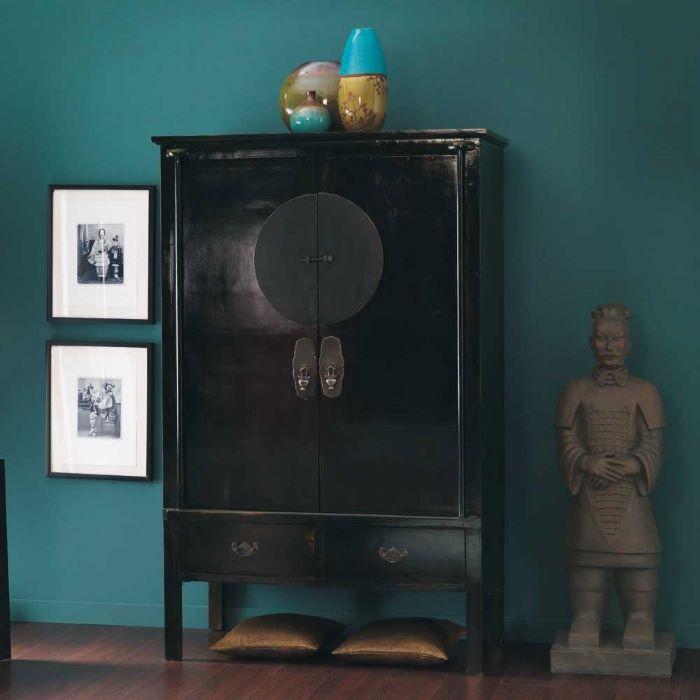 armario color negro de estilo exótico para tu dormitorio