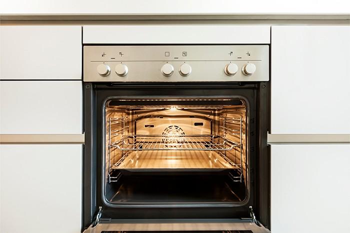 horno de cocina encendido