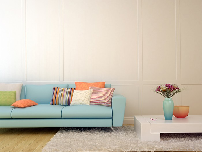 salón con cojines coloridos