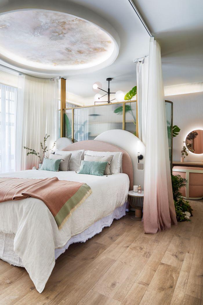 Suite de Casa Decor 2021 con materiales naturales y reciclados