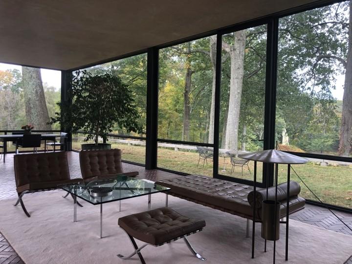 interior glass house philip johnson