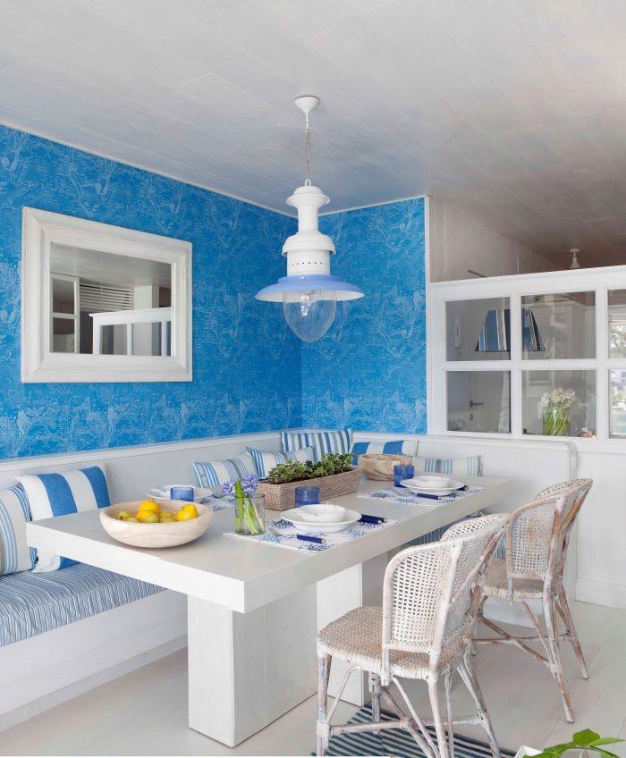Interior-con-decoracion-en-azul
