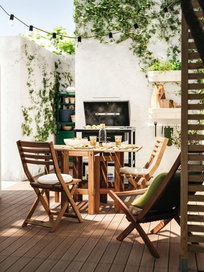 Mesa y sillas de madera para jardín de IKEA