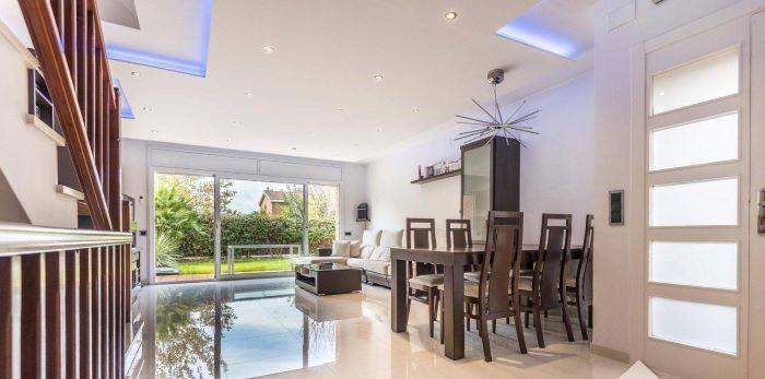 Interior de una casa Premium de inmobiliaria