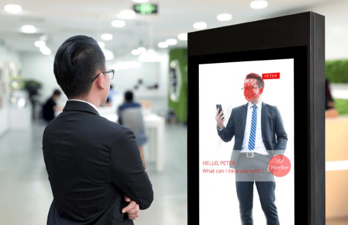 cartelería digital como conserje virtual para informar