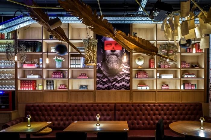Inclán Brutal Bar, un restaurante para amantes de la literatura y la gastronomía