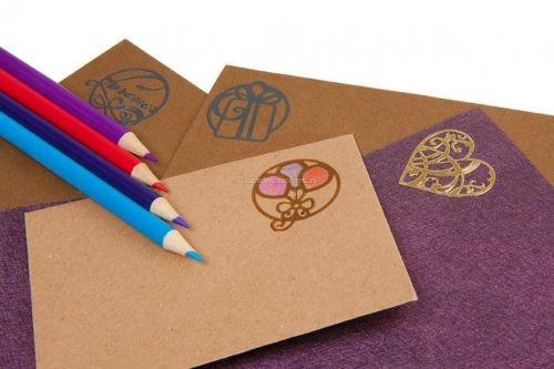 Etiquetas decorativas para sobres de invitación a una boda