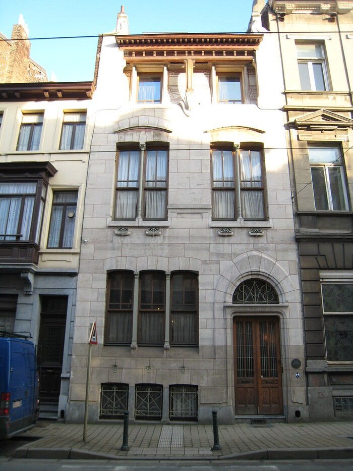 fachada exterior de la Casa Autrique construida por Víctor Horta