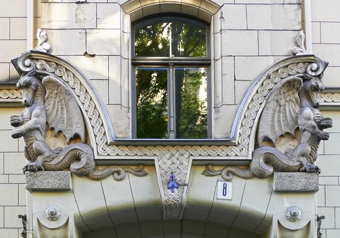 tallado ventana relieve