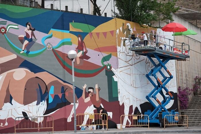 grua pintores vallas mural grande