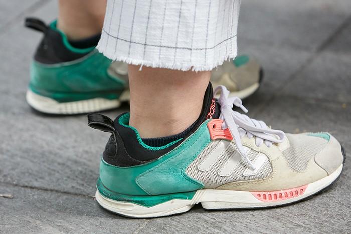 Zapatillas deportivas Adidas para mujeres profesionales