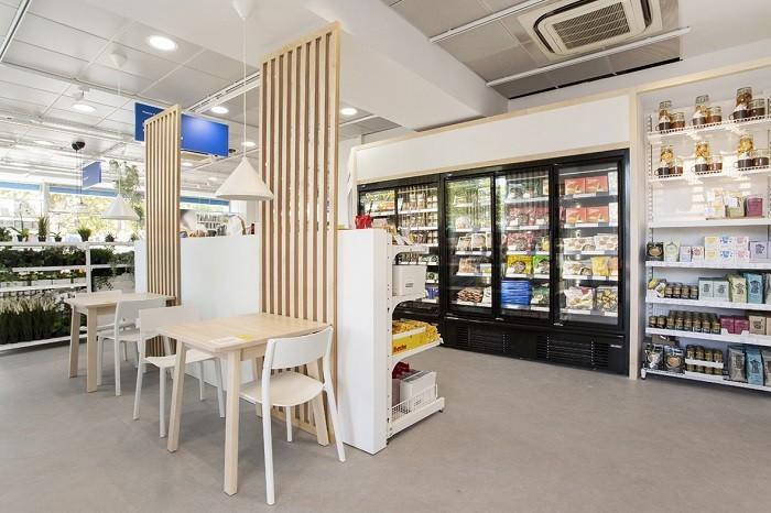 Zona de restauración en la nueva tienda de IKEA en las Rozas de Madrid
