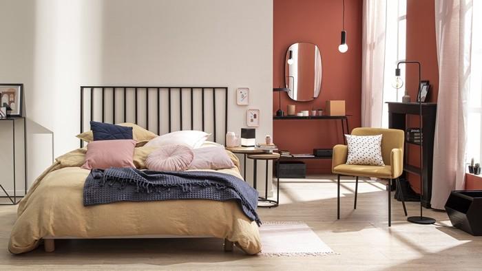 habitacion cama colcha silla