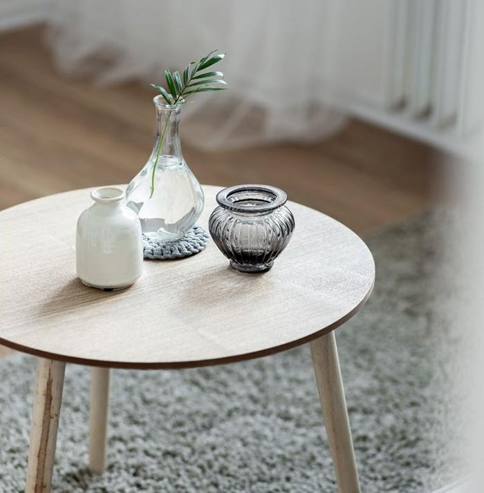 mesa pequeña redonda nordica