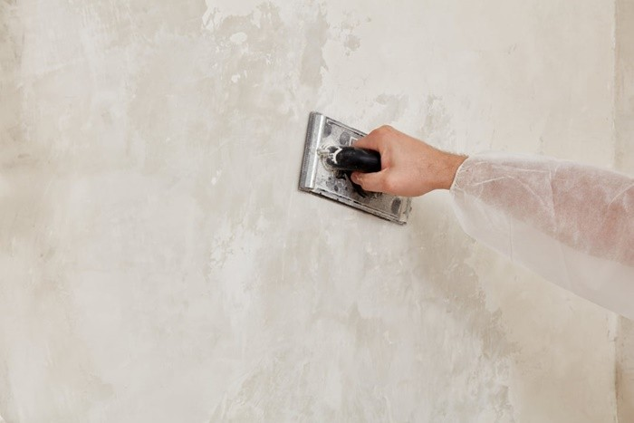 pared microcemento beige