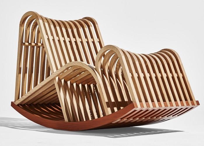 Silla de madera con balanceo