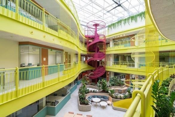 escaleras caracol colores neon