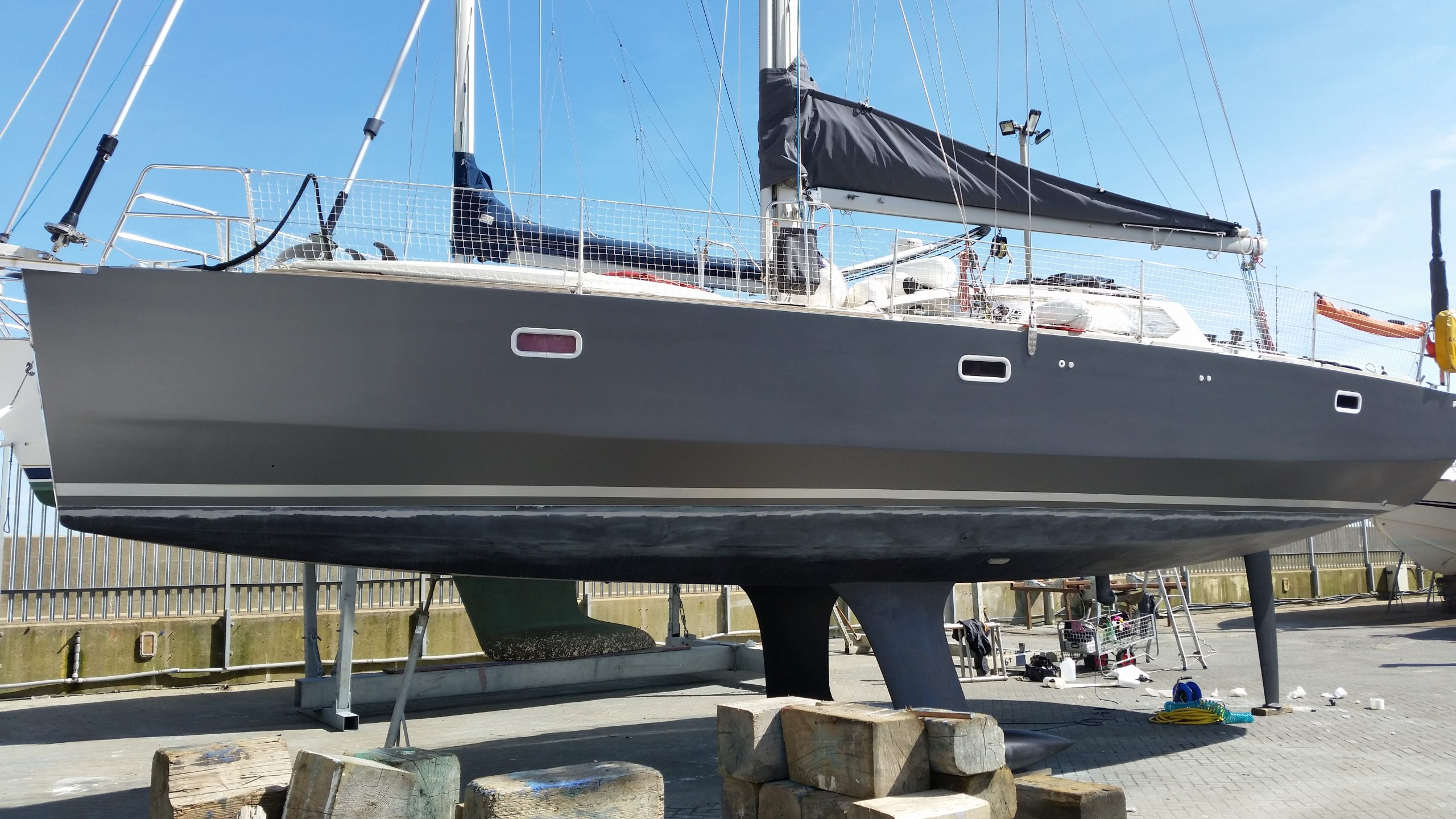 40' Sailing yacht wrapped