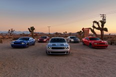 2019 Dodge Challenger SRT HELLCAT Widebody, Charger SRT HELLCAT, Challenger SRT HELLCAT Redeye Widebody, Charger SRT HELLCAT, Challenger R/T Scat Pack Widebody (From left to right) (FCA US Photo)