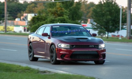 2019 Dodge Charger SRT HELLCAT. (Real Fast Fotography)
