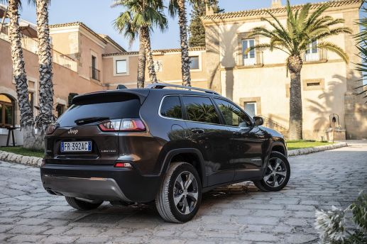 2019 Jeep Cherokee Limited Euro-Spec 4x4. (Jeep).
