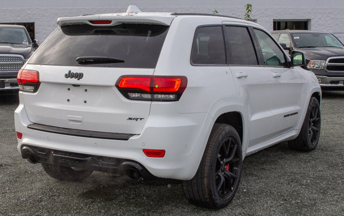 Grand Cherokee Srt Cheaper Than The Trackhawk But Just As Fun