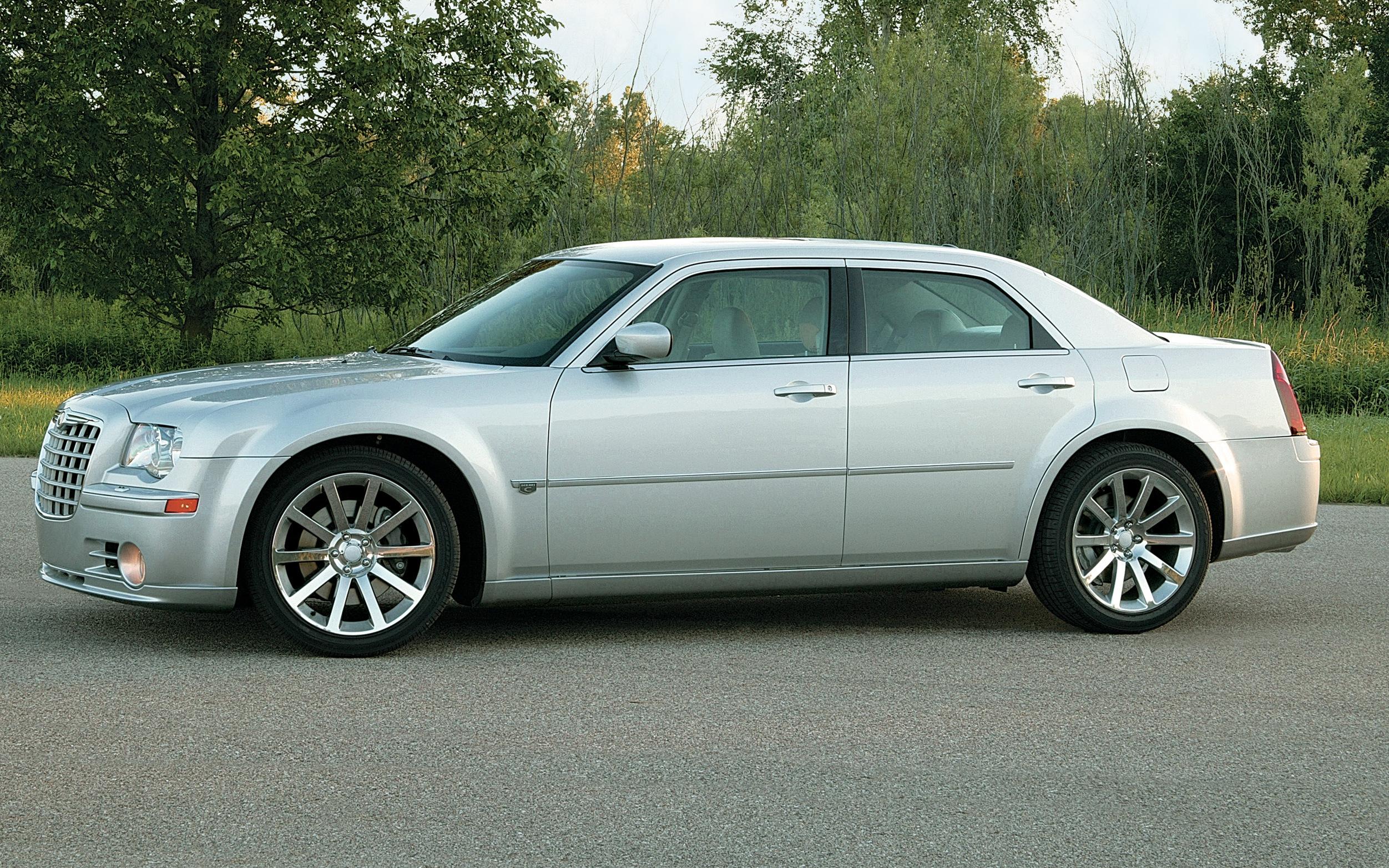 2006 Chrysler 300 Srt8 Grille