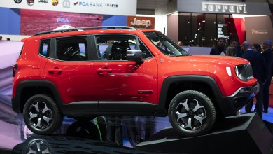 Photo of Jeep Debuts Renegade & Compass PHEVs In Geneva: