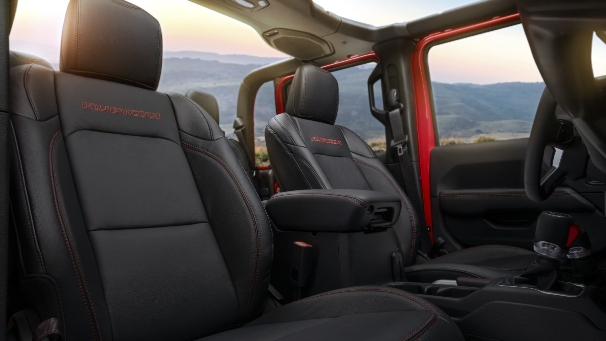 Top Rated Car Seats 2020.2020 Jeep Gladiator Awarded 10 Best Interiors By Wardsauto Mopar