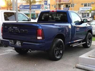 Mexico-Only 2019 Ram R/T Regular Cab 4x4 in Blue Streak. (Esteban Chrysler).