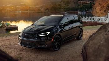 2021 Chrysler Pacifica Limited S AWD. (Chrysler).