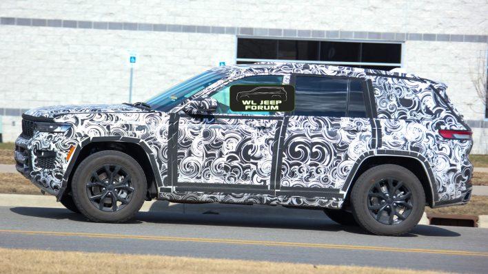 2022 Jeep® Grand Cherokee Overland Off-Road (WL74). (WLJeepForum).