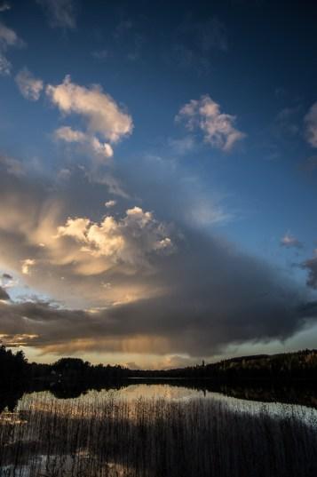 Solen sänker sig över Stora Ånsjön
