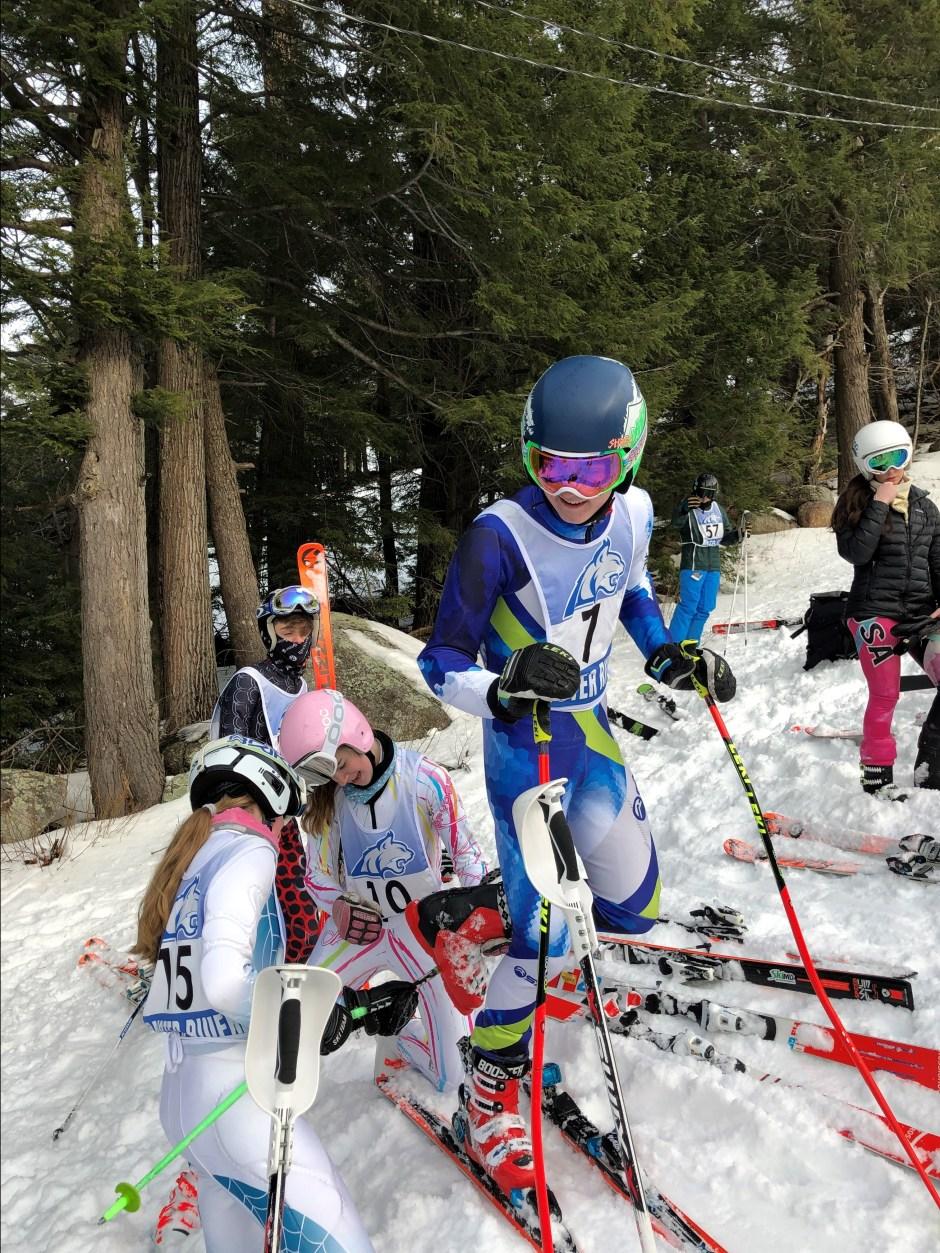 clipping in - ski image 3