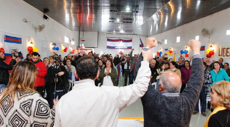 Entre un 24 y 27% de votantes de Cabildo Abierto votaron al Frente Amplio en el balotaje