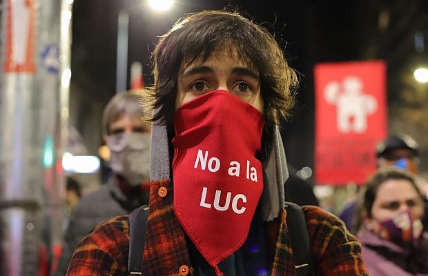 Este mediodía se anunciará que se alcanzaron 450.000 firmas contra la LUC