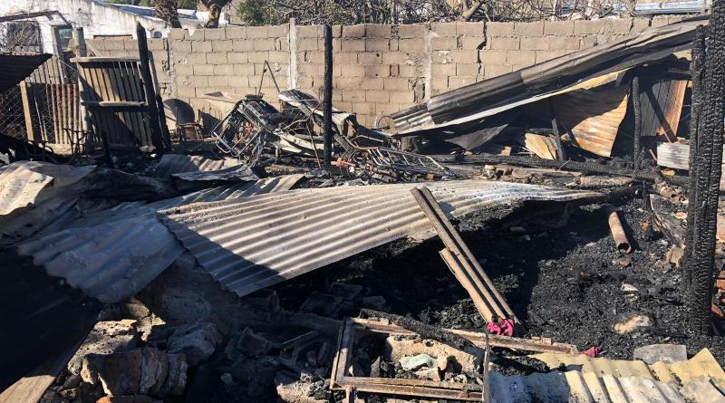 Pérdidas totales para una familia a causa de un incendio en dos viviendas