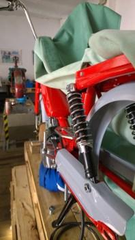 Nuove sospensioni con molla a vista - New swingarm suspensions with visible springs
