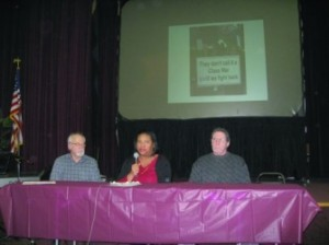 (l-r) Steve Babson,Angela Crockett and Ray Mandry talk about beating the banks. Photo by Curt Guyette