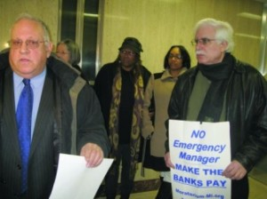 Jerry Goldberg (l) and David Sole (r) want Detroit's bond records.