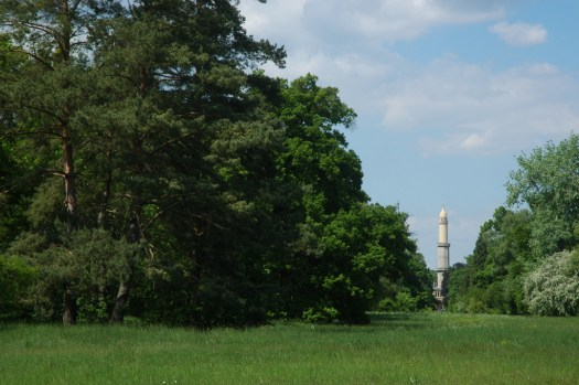 Lednický park s minaretem.