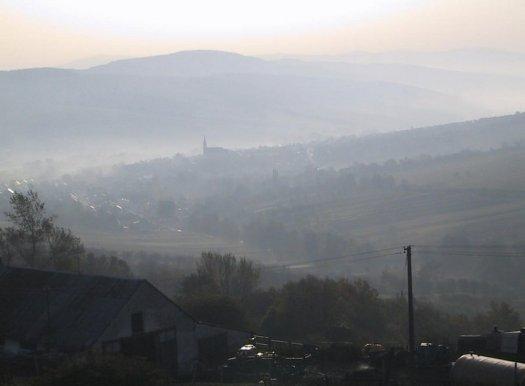 Pohled do Straňanské kotliny.