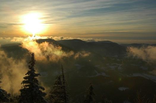 Pohled na Radhošťskou hornatinu z Lysé hory.
